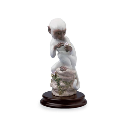تمثال قرد