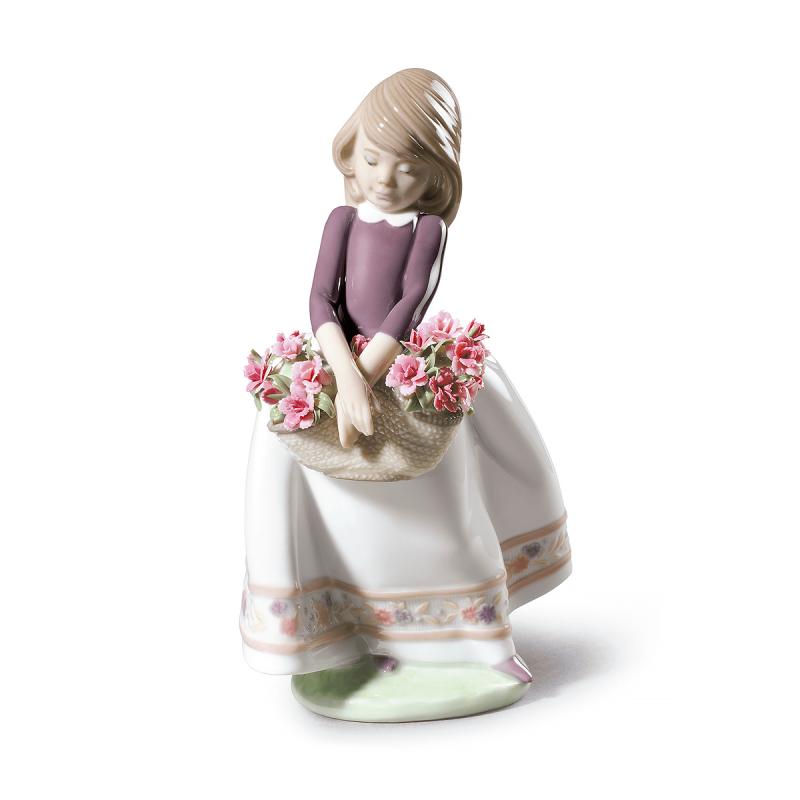 تمثال فتاة مع زهور - طبعة محدودة, large