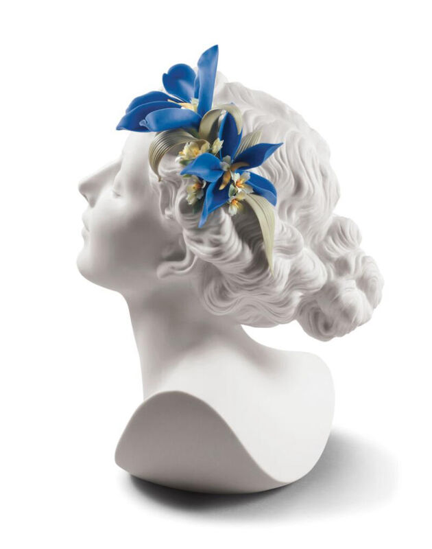 Daisy With Flowers Woman Bust, large