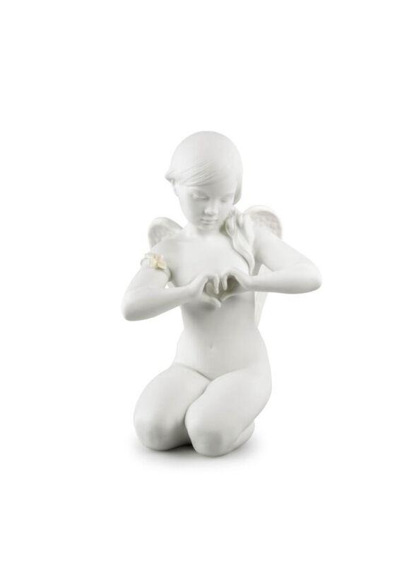 تمثال ملاك القلب السماوي, large