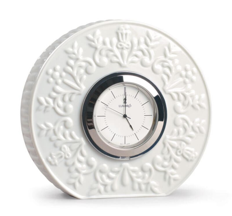ساعة الشعارات, large