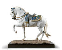 النحت الاسباني الشفاف . حصان. طبعة محدودة, small