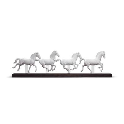 نحت مجموعة من االأحصنة لحظة الركض