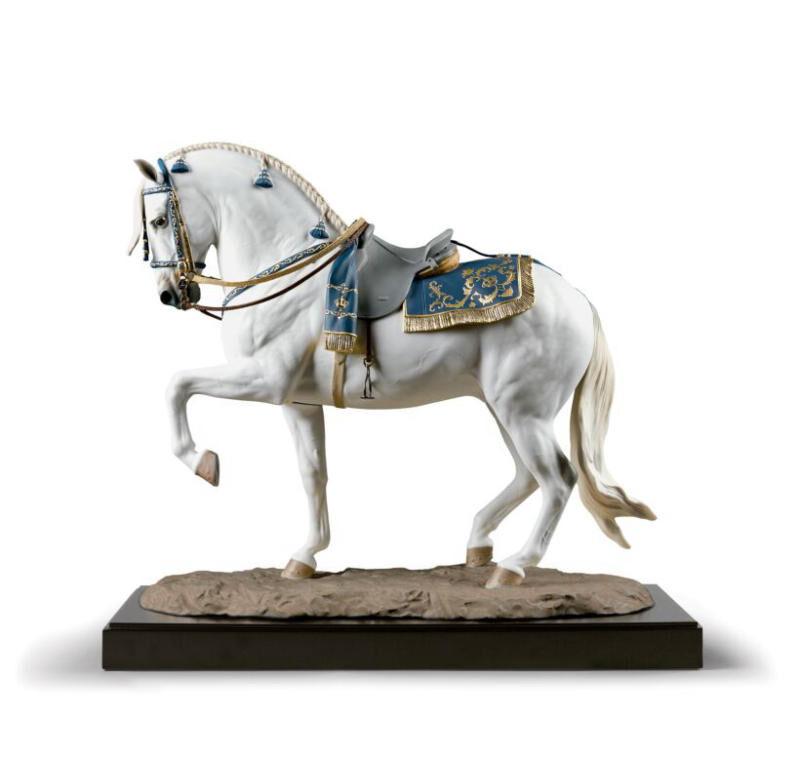 النحت الاسباني الشفاف . حصان. طبعة محدودة, large