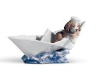 كلب مستخفي في السفينة, small