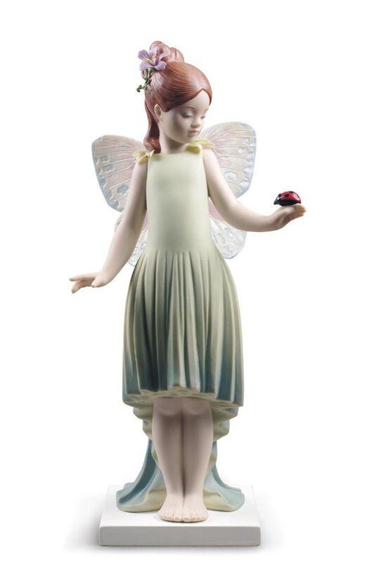 تمثال فتاة الطفولة, large