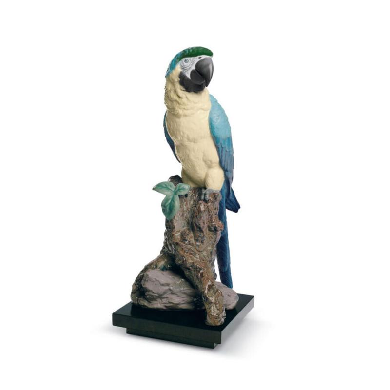 تمثال طائر الببغاء, large