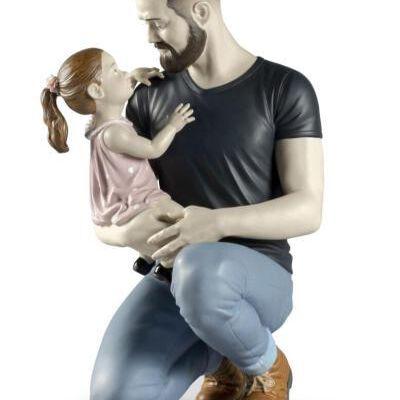 تمثال ذراع الأب الحنون